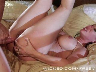 Wicked – Hot Cougar Rachel Starr loves cock