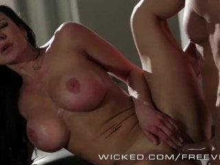 Wicked – Kendra Lust sucks some bicker cock