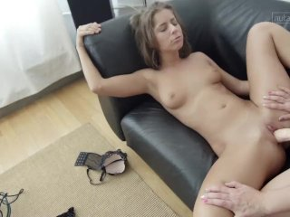 Kinky lesbian sex with strap-on makes her cum