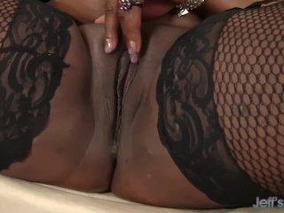 big tittied black girl toys herself