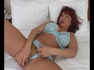 Yanks Redhead MILF Debbie Paige Masturbating