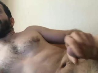 Alpha male Syrian military officer off duty, looking for Arab gay mouths