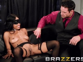 Blindfolded Hot First Date – Brazzers