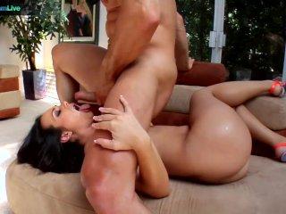 Kinky Holly West enjoys sex toys and anal