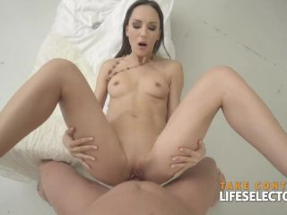 Lilu Moon – Brunette Babe Loves This Dick