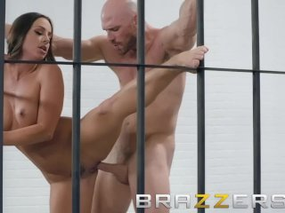 Brazzers – Sexy cell mate Abigail Mac gets pounded behind bars