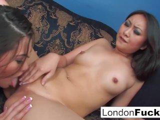 London Keyes and Evelynn Linn have some lesbian action
