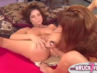 Pussy eating 90s lesbian