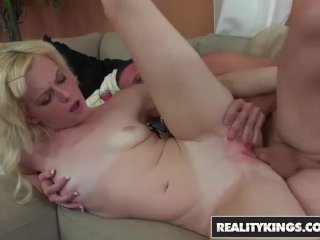 Reality Kings – Skinny blonde Bailey Bradshaw does porn for first time