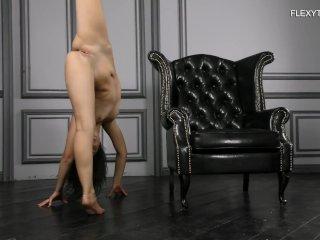 Nude 18 y.o ballerina Vika Kovako! Incredibly flexible positions
