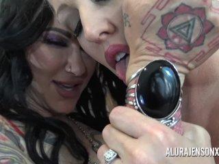 Alura Jenson has her way with her girlfriend Jen Hexxx