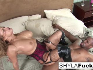 Prince Delivers a Black Cock For Sexy Shyla