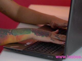 Lesbea Tattooed Euro babes Adel Asanty and Foxy Sanie fuck double end dildo