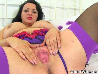 British milf Devon Breeze plays with her fabulous fanny