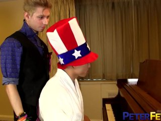 PETERFEVER Hunk Asian Gold Sucked Off Before Fucking Twink Spy