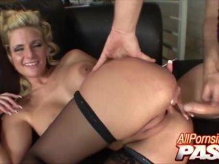 Pornstar Hottie Phoenix Marie Nailed Hard