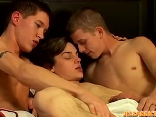 Horny twinks have hardcore fuck train 3way after blowjobs