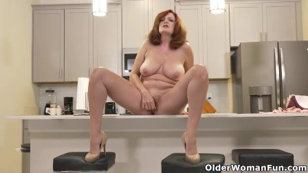 Florida milf Rebecca shows what s cooking in the kitchen